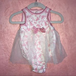 Girl's 3 Months Floral One Piece Outfit